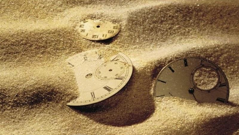 Vi kan inte vara någon annanstans än i nuet – en artikel om hur vi skapar vår framtid och vårt förflutna